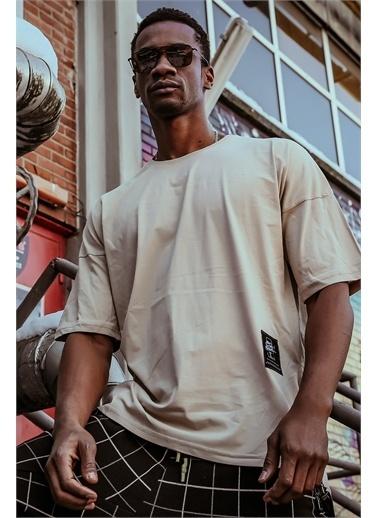 XHAN Krem Yanı Fermuarlı Oversize T-Shirt 1Kxe1-44586-22 Krem